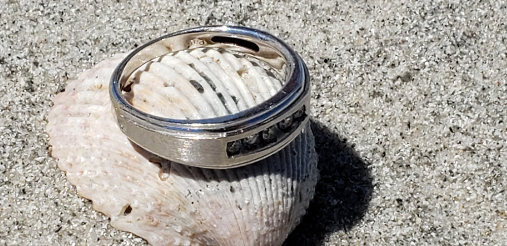 Ring Lost on Redington Shores Beach, SRARC recovers it.