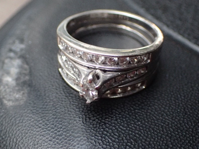 Lido Key: Lost Ring Is Recovered